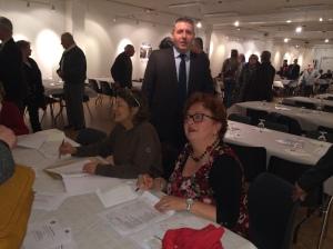 Anne-Marie Bercq et Cathy Agostini, secrétaire de BCE, procèdent aux adhésions sous la supervision de Gilles Chaumerliac, Président